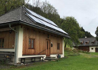 Egonhaus mit Resihaus im Hintergrund