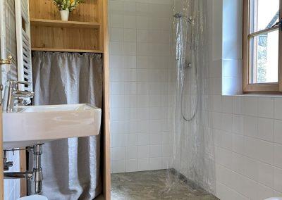 Haus-Egon-Badezimmer-e1620417915607