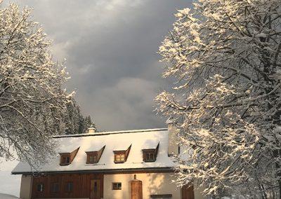Resihaus in der Wintersonne